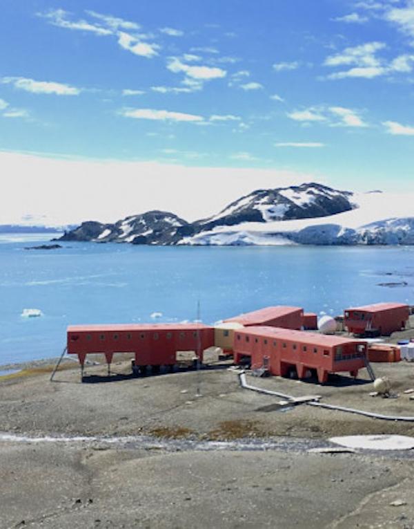 Tecnología verde para el detector de rayos cósmicos en la Antártida