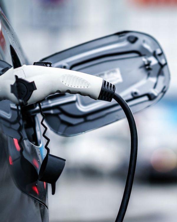 ¿Un IVA reducido para los coches eléctricos?