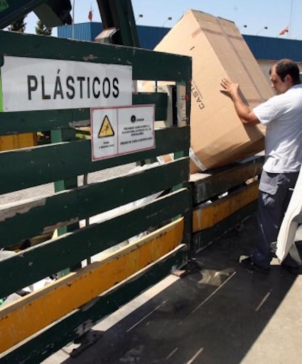 El punto limpio de San Juan en Alcalá de Guadaíra (Sevilla) abre de nuevo este domingo
