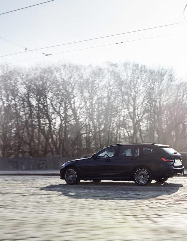 BMW 330e xDrive Touring híbrido enchufable