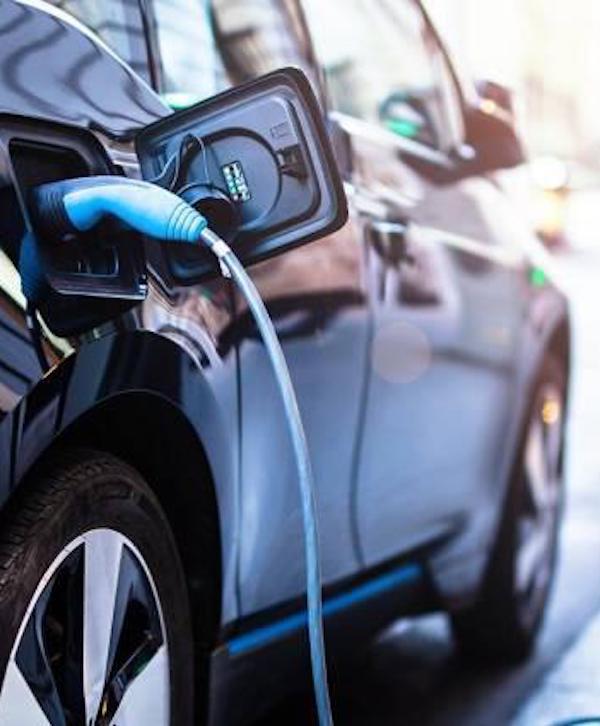 Las automatriculaciones de coches eléctricos se disparan un 534% en enero por la nueva normativa europea