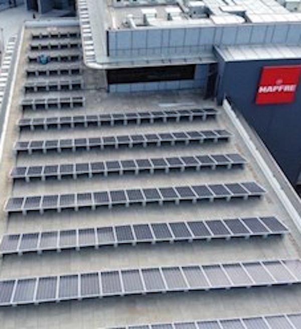 MAPFRE instala paneles solares en sus edificios