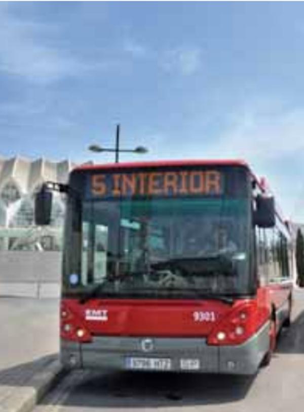 Sevilla incorpora 14 nuevos autobuses de gas natural
