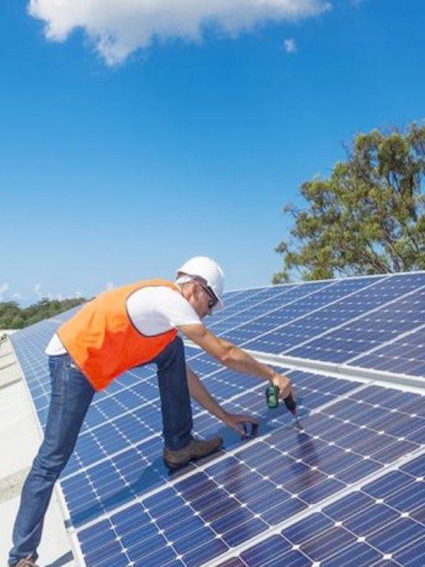 Baleares tiene un potencial de 21.000 tejados solares