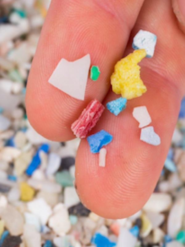 ¿Dónde acaban los microplásticos de la carretera?