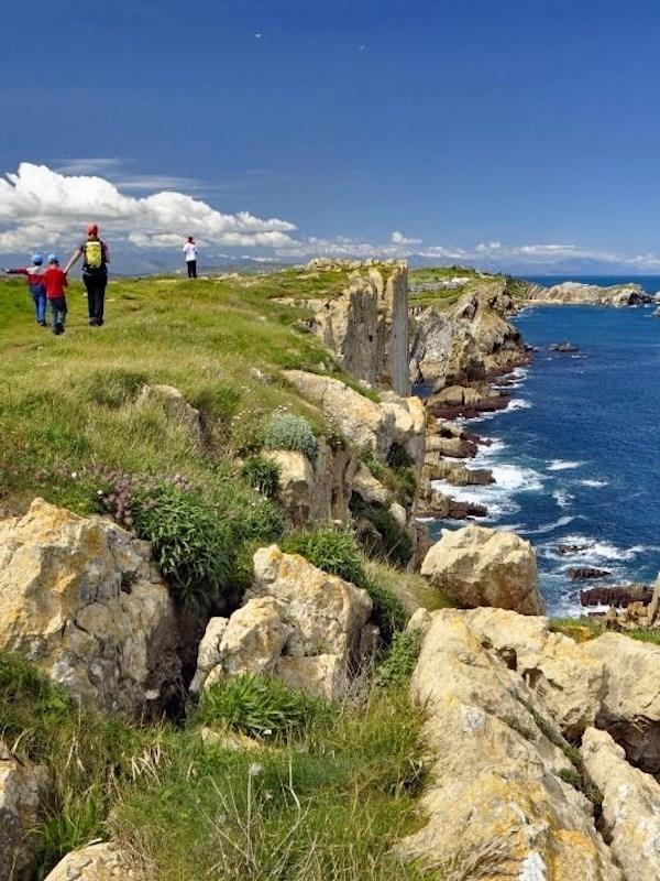 A información pública del proyecto de creación del Geoparque Mundial Unesco de Costa Quebrada (Cantabria)