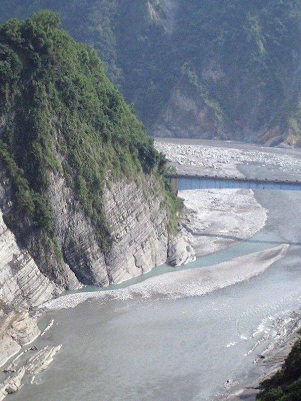 Cambios climáticos globales aumentan las tasas de erosión de los ríos