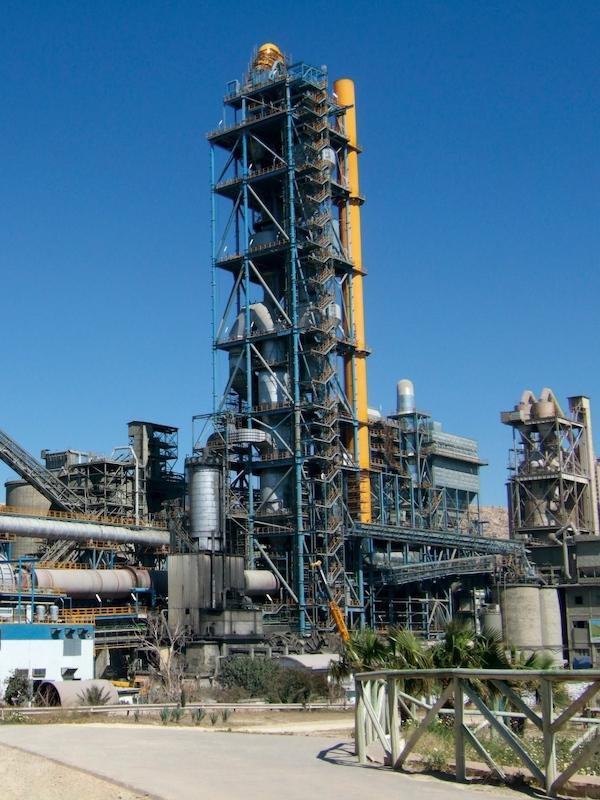 Flacema defiende la mejora ambiental de proyectos de combustibles alternativos en fábrica de cemento de Alcalá (Sevilla)