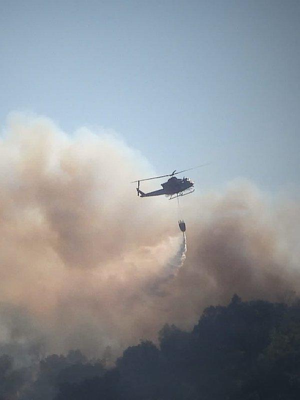 El MITECO envía 2 brigadas y 7 aviones para apoyar las tareas de extinción del incendio declarado en Monterrei (Ourense)