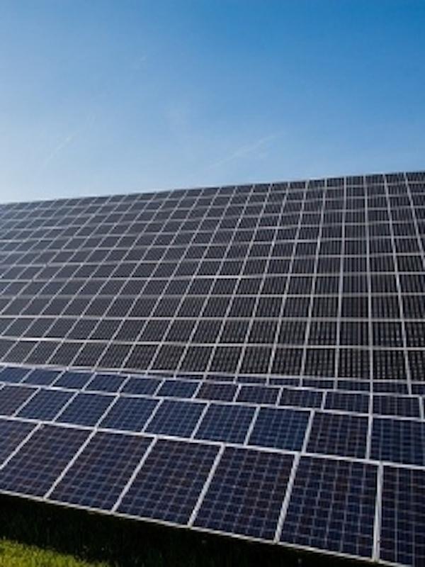 Baleares, visita al parque fotovoltaico de sa Caseta