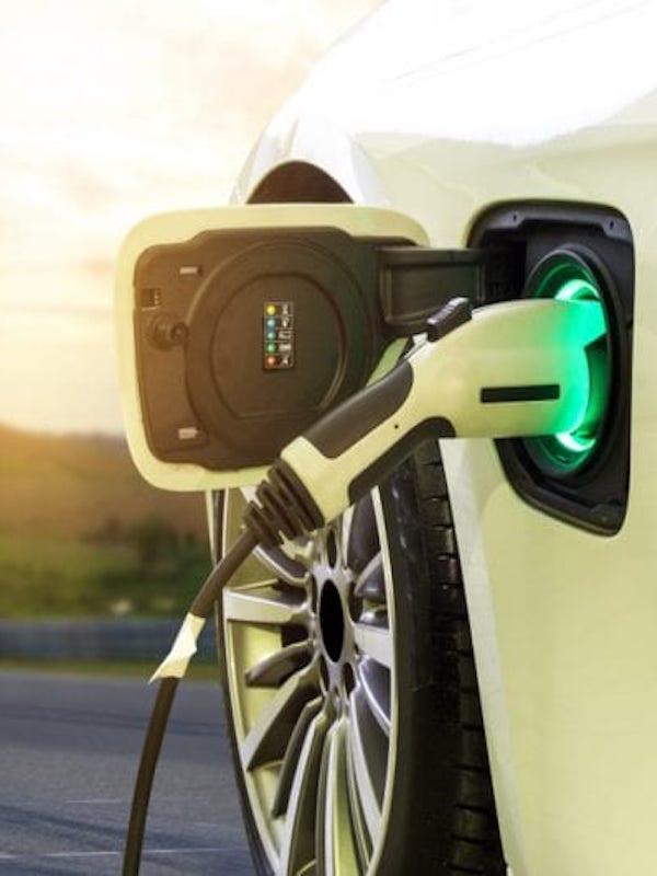 Plan Moves, con ayudas de 5.500 euros a la compra de eléctricos