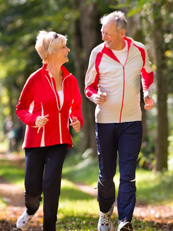 Desarrollan una aplicación para móvil que evalúa el estado físico de personas mayores
