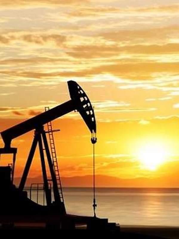 ¿Un impuesto al barril de petróleo para financiar inversión climática?