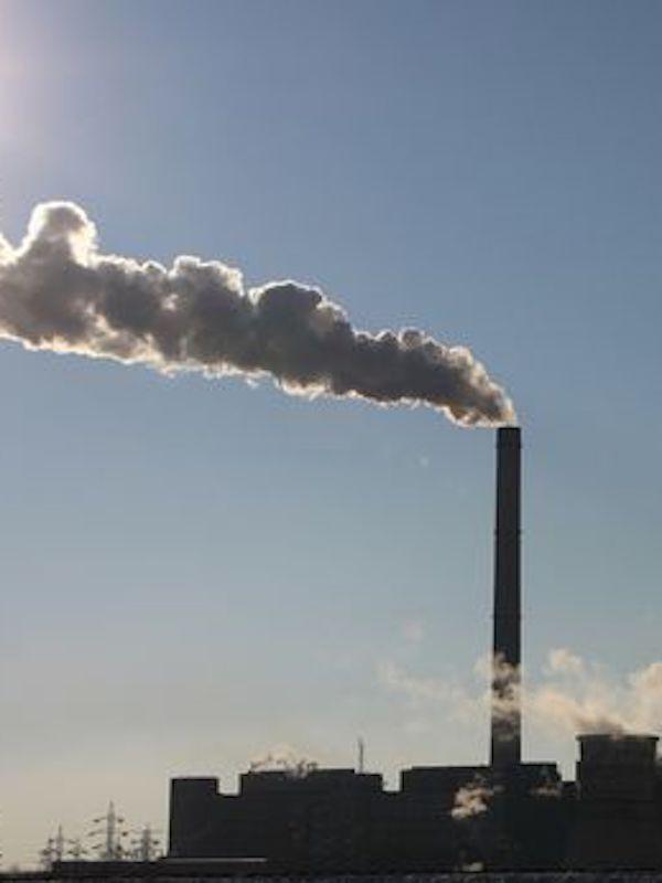 España da luz verde a la ley que regula el régimen del comercio de derechos de CO2