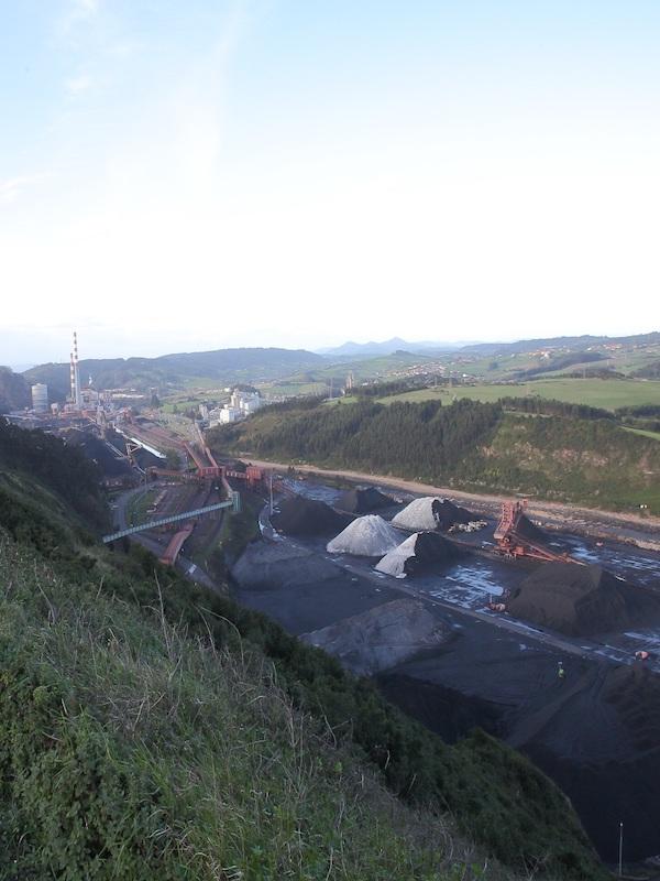 Asturias. Mas nubes de carbón para el puerto del Musel