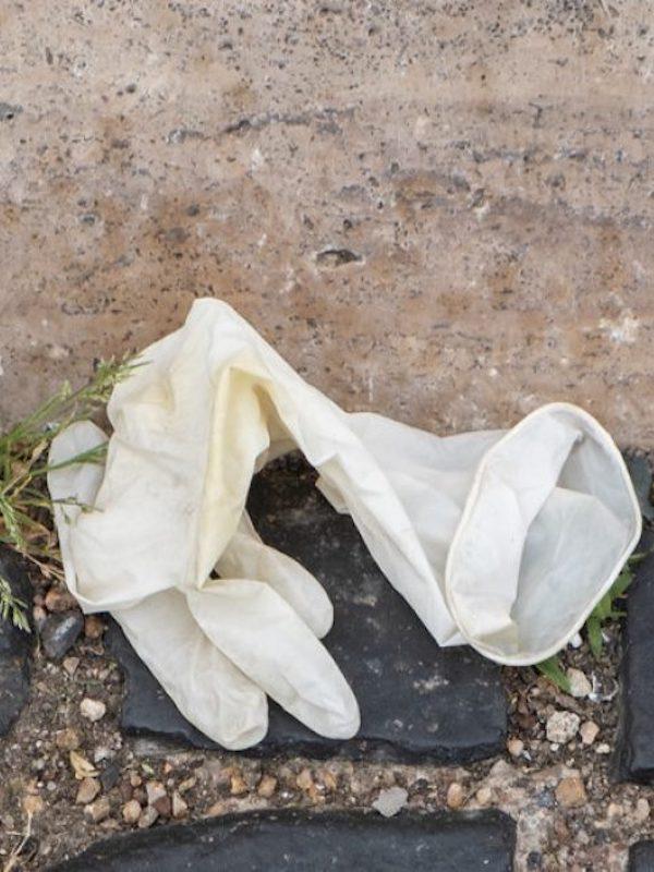 COVID-19. Objetos de plástico totalmente 'prescindibles' y muy 'dañinos'