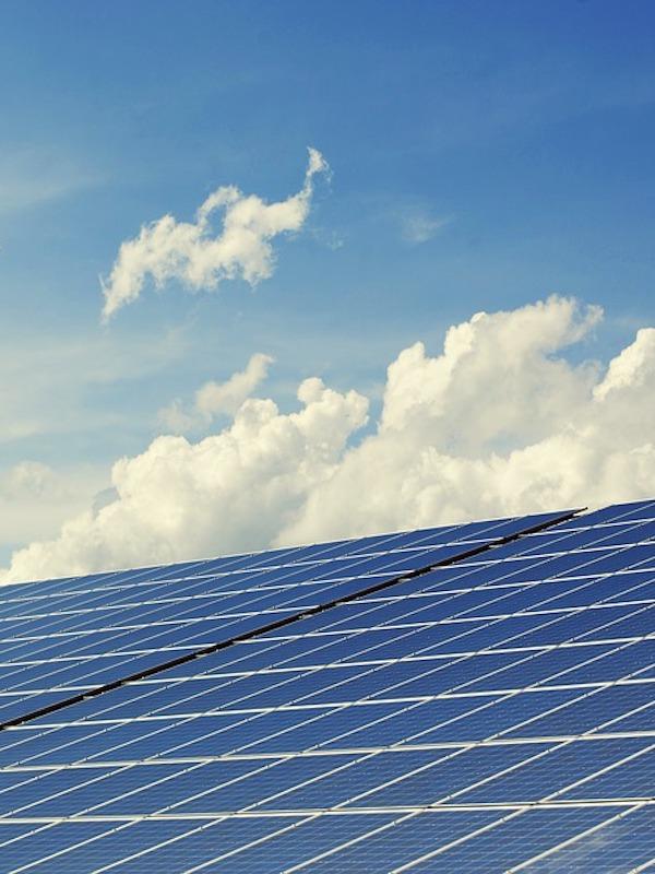 ANPIER se rebela por el injusto impuesto del 7% que soportan los pequeños productores fotovoltaicos navarros