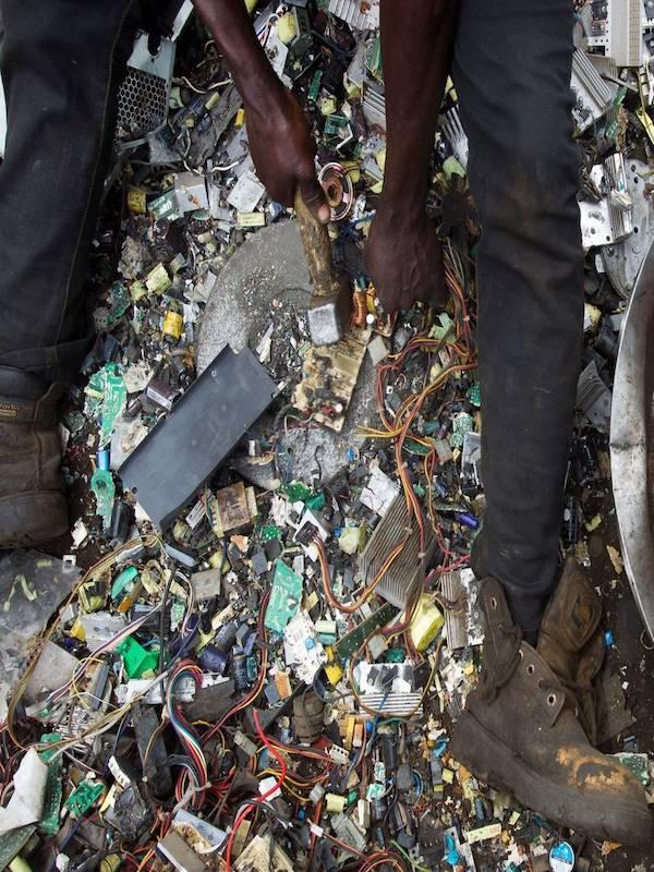 Una red de delincuentes enviaba residuos peligrosos desde Tenerife a África