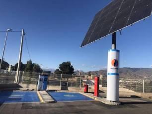 Huércal de Almería instala la primera 'electrogasolinera' de Andalucía que se abastece con energía solar