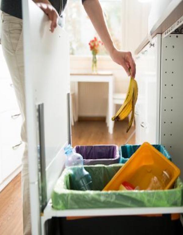¿Qué hay que hacer con los residuos domésticos procedentes de viviendas con personas afectadas por el COVID-19?