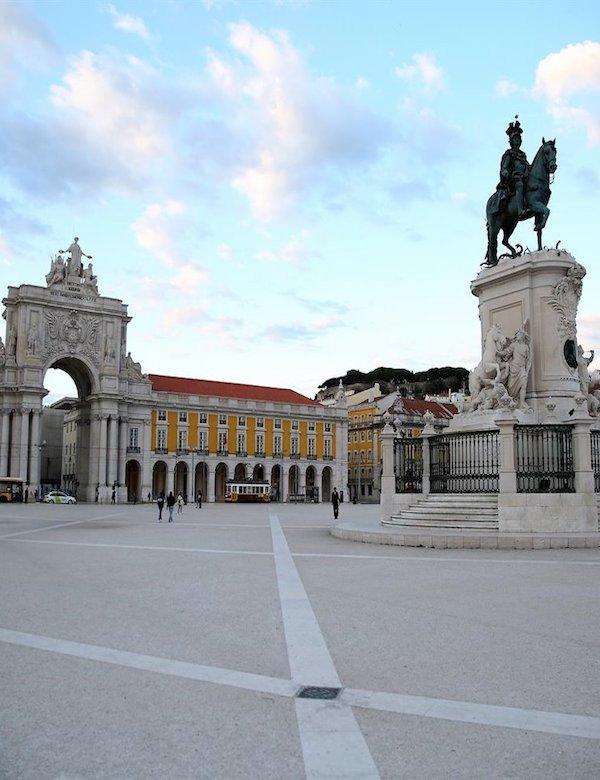 El Parlamento de Portugal aprueba declarar el estado de emergencia a causa del coronavirus