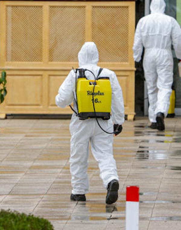 CC.OO y UGT denuncian: La UME desinfecta las residencias de mayores pero sus trabajadores siguen sin protección