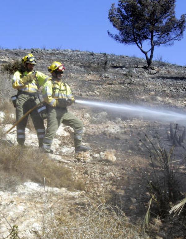 La Región de Murcia refuerza medios humanos y materiales para luchar contra los incendios forestales