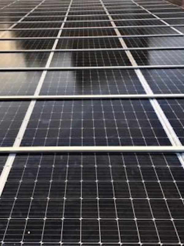 Tecnología verde para un prototipo de energía solar-metal para su uso en la industria corchera