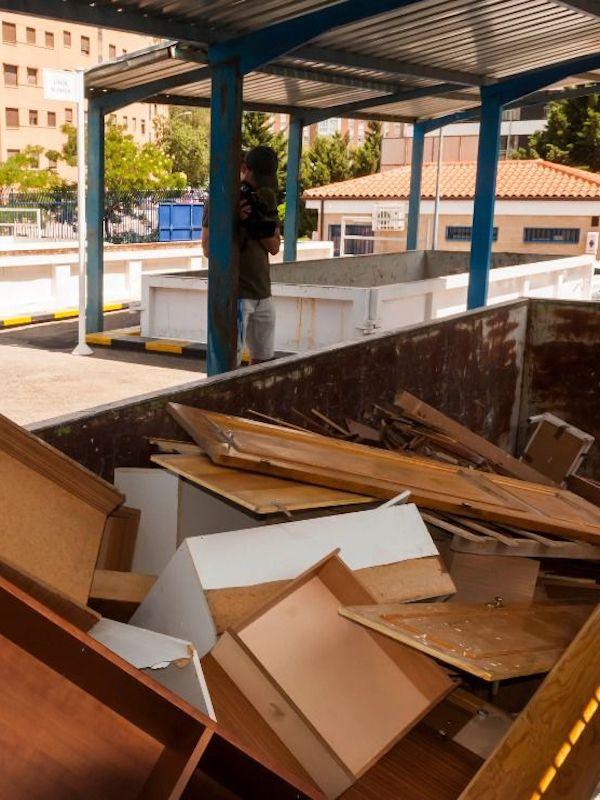 Madrid reanuda el servicio de recogida de muebles y enseres