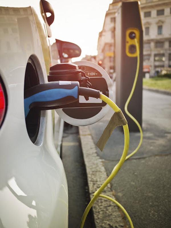 El coche eléctrico recibirá ayudas los próximos cinco años