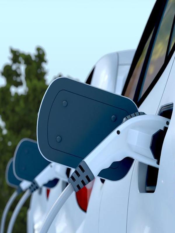 Proyecto para transmitir energía de un coche eléctrico a la red