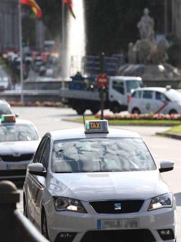 Madrid subvencionará los taxis más contaminantes