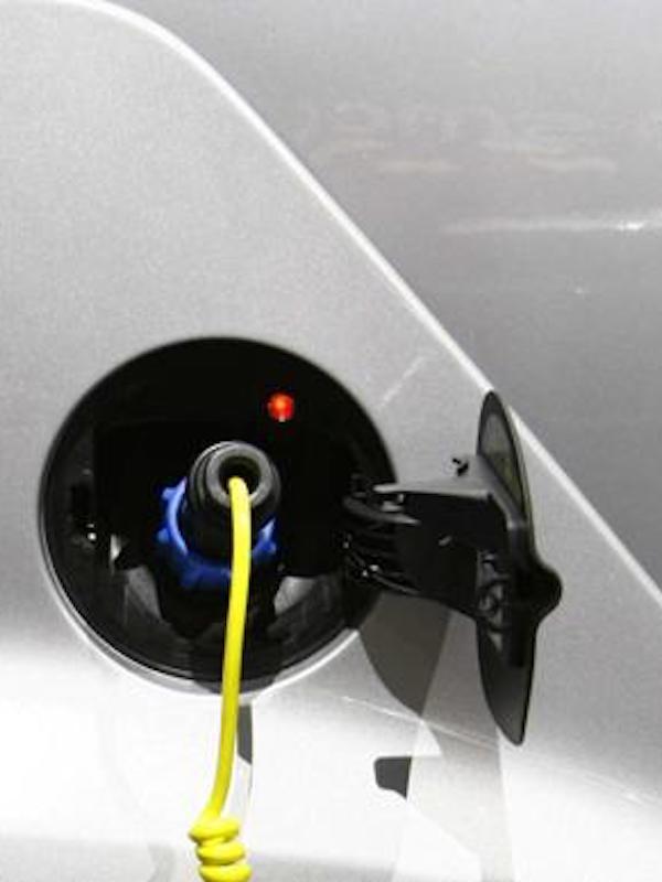 La venta de coches eléctricos se duplica en octubre