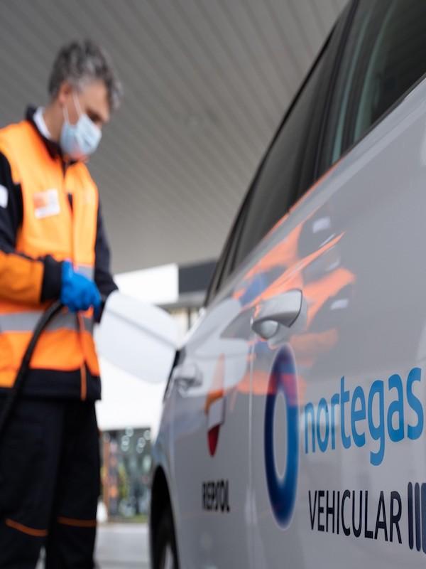 Repsol y Nortegas Green Energy Solutions han inaugurado hoy la primera gasinera con suministro continuo de GNC