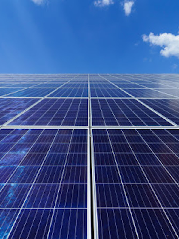 Iberdrola 'apuesta a lo grande' por la energía fotovoltaica en Extremadura
