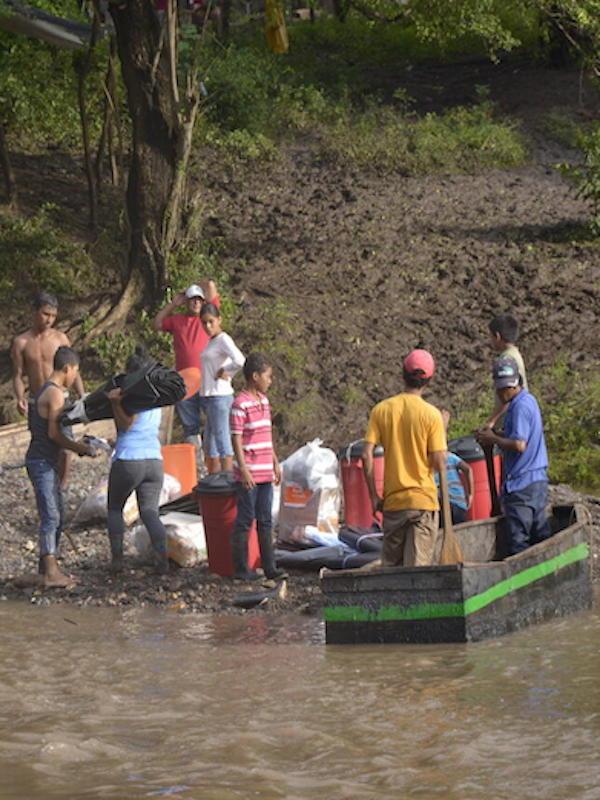 La tormenta Lota amenaza a millones de centroamericanos ya devastados por el huracán Eta