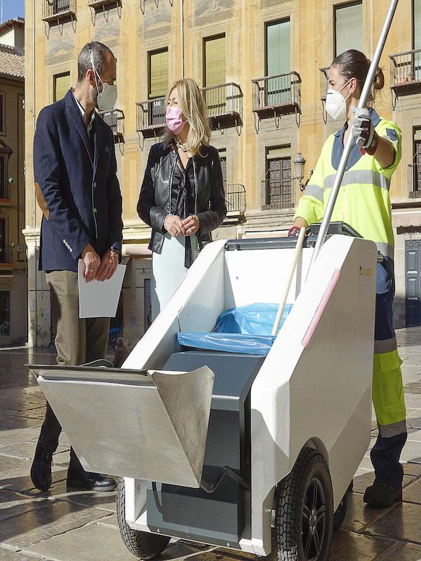 Granada incorpora el primer carro de limpieza eléctrico con GPS