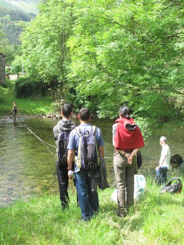 Red Cambera se 'aplica' para proteger la biodiversidad de cinco ríos de Cantabria