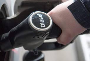 Co2. La bonificación del diésel es una 'burda' cesión para aprobar los PGE