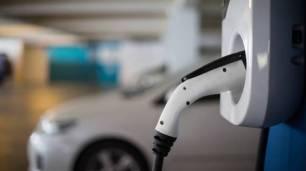 Movilidad eléctrica. Aragón y PSA aúnan esfuerzos para que la factoría zaragozana avance hacia la electromovilidad