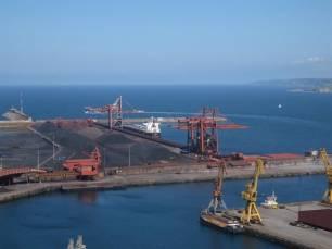 Asturias. El nuevo muro perimetral de El Musel no servirá para frenar la contaminación