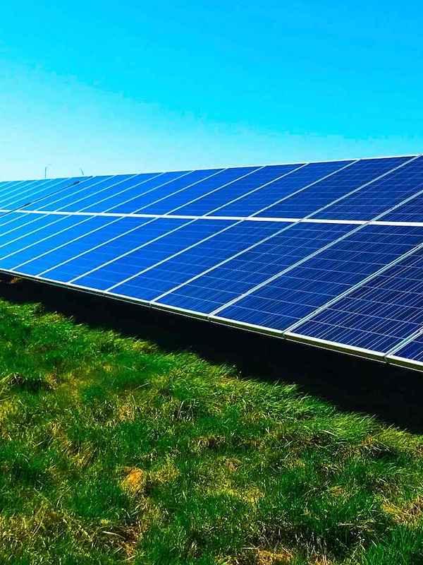 Q-Energy vende una cartera de 73 plantas solares en España a la firma de inversión CDPQ