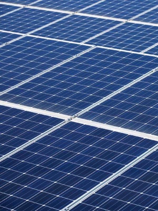 Avaesen crea dos comisiones para agilizar los expedientes de instalación de energías renovables