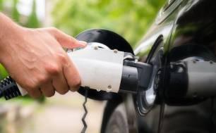 Los vehículos eléctricos triplicarían las ventas en España con una bajada del IVA