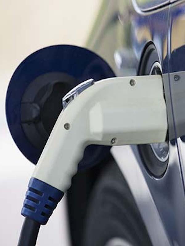 Madrid concede bonos de 1.250 euros para alquilar vehículos eléctricos al achatarrar otros contaminantes
