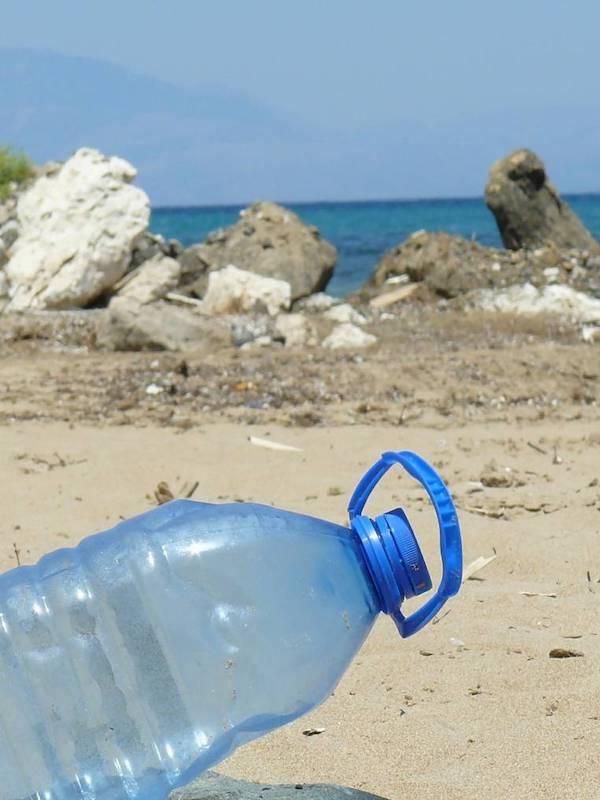 Mediterráneo, un 'vertedero' de plastico