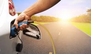 La inversión en puntos de recarga es del todo insuficiente ante la demanda de coches eléctricos