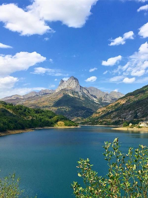 NO rotundo al recrecimiento del mayor pantano del Pirineo, incompatible con la transición ecológica