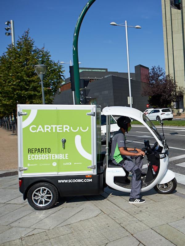 Pamplona estrena 'Carteroo', un servicio de entrega de paquetes a domicilio