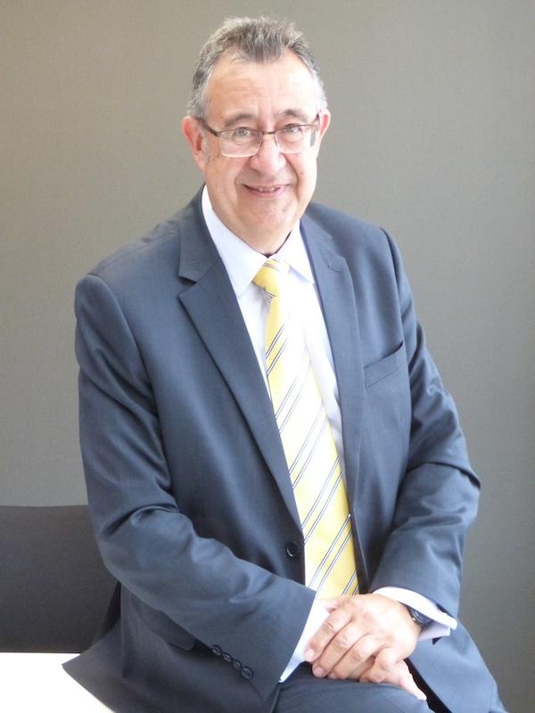 El sector termosolar internacional reconoce la trayectoria profesional de Luis Crespo con el premio Lifetime Award
